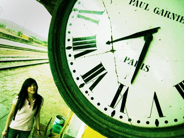 火車經過時司機可以清楚的看到時間