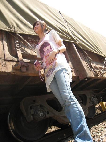 巨人和貨車