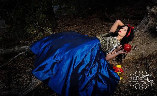 Snow-White-Jessica-Frey-18.jpg