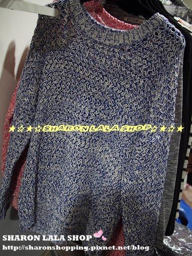 304.韓白條細麻花織毛衣 $900 藍 紅