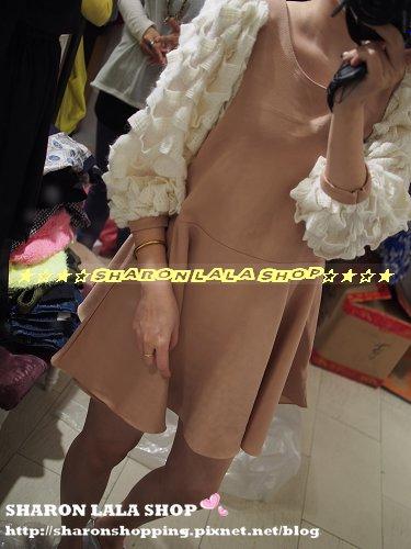 300.韓蓬袖立體毛線洋裝 $1460 杏 黑