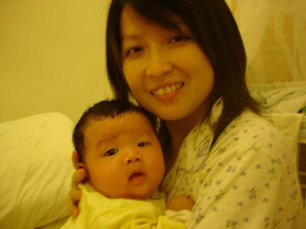 【2M】跟媽咪合照