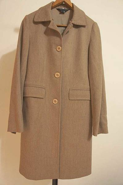 (03) Mastina 34號可可色毛料及膝薄大衣 賣520元