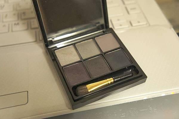 (07) Mac六色眼影 本月份到期 盒子可收藏 原價1800 賣220