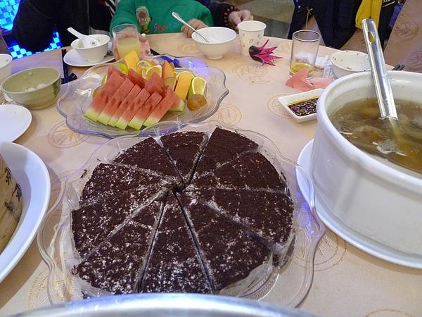 特別耶!甜點是蛋糕哦!