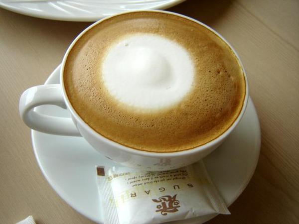 巴塔爵拿鐵咖啡
