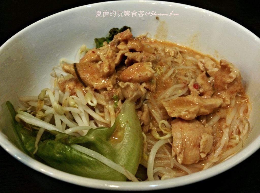 CAM02021-椰汁雞肉乾拌麵(米線)