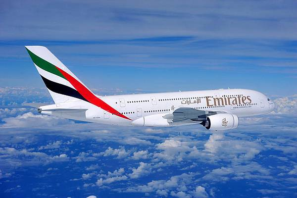 Air-to-air-Emirates-A380-aircraft-706137