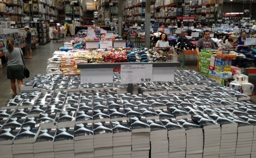 Check out this amazing display of Fifty Shades of Grey Trilogy at the Costco in Melville, New York.— 在 Melville, NY 。