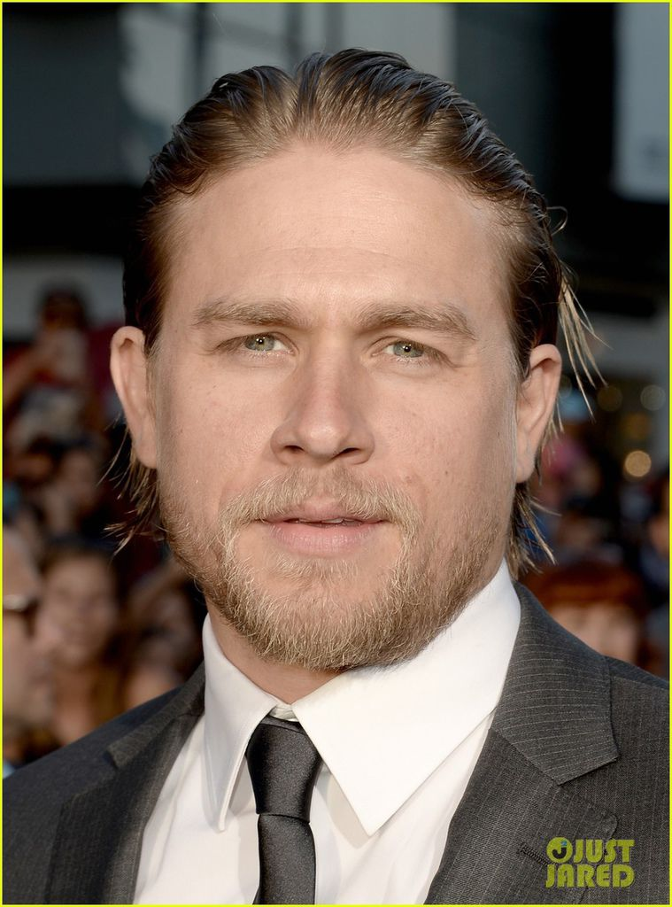 charlie-hunnam-talks-fifty-shades-of-grey-for-first-time-02.jpg
