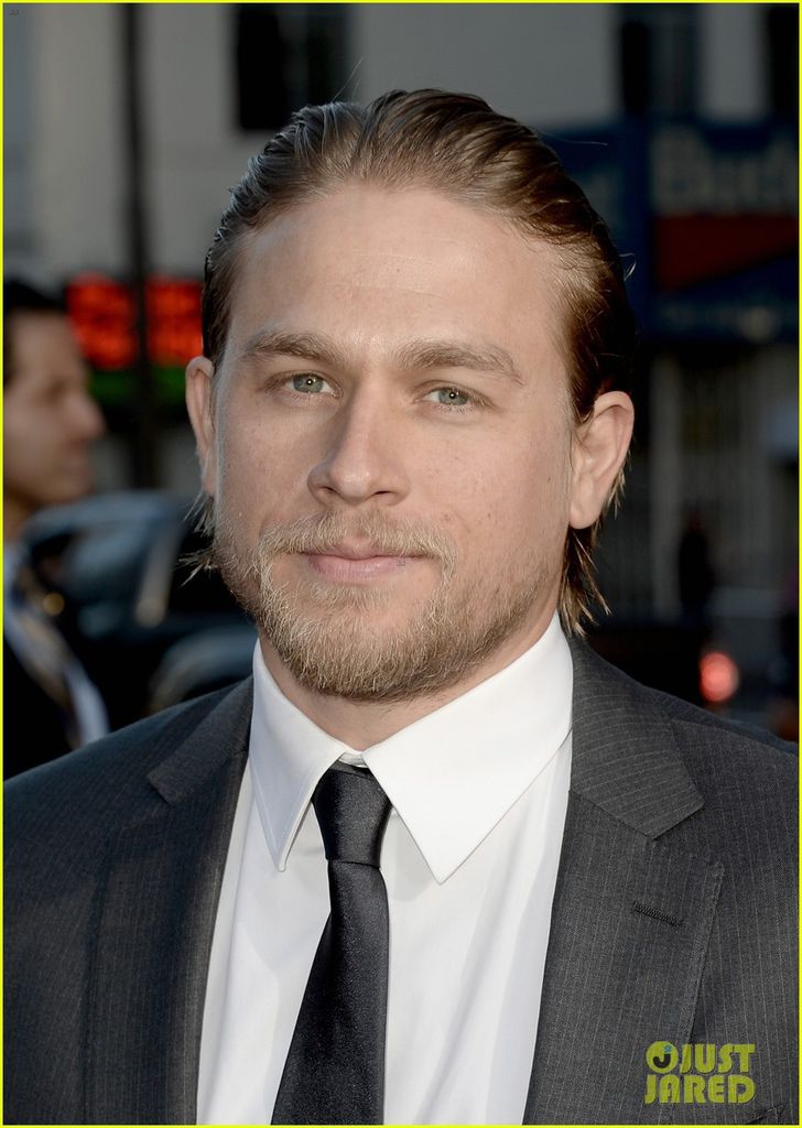 charlie-hunnam-talks-fifty-shades-of-grey-for-first-time-25.jpg