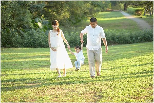 【小品兒專欄】GRACE WEDDING 葛芮絲婚禮~暖陽戶外郊遊風全家福孕婦紀念照攝影集