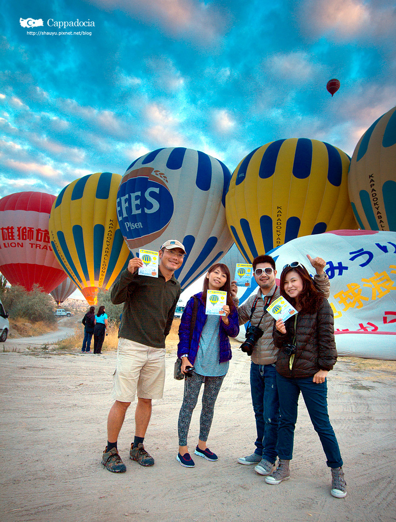 Cappadocia_hot_air_balloon_08.jpg