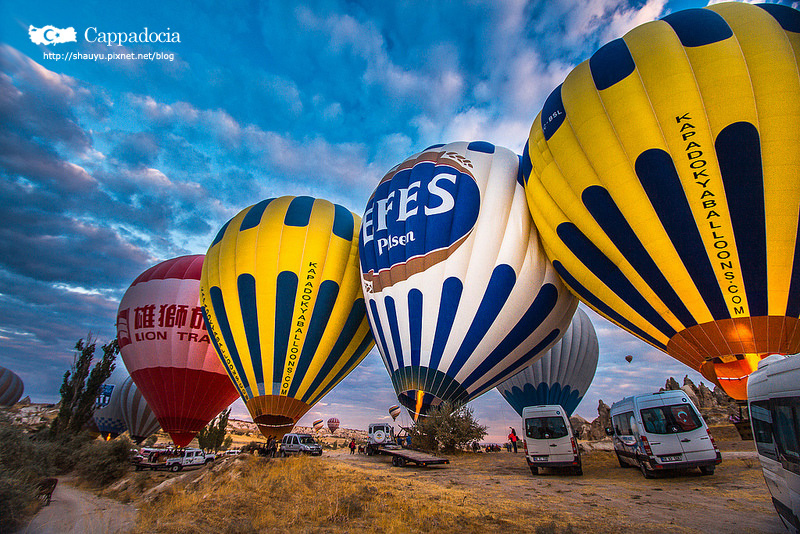 Cappadocia_hot_air_balloon_03.jpg