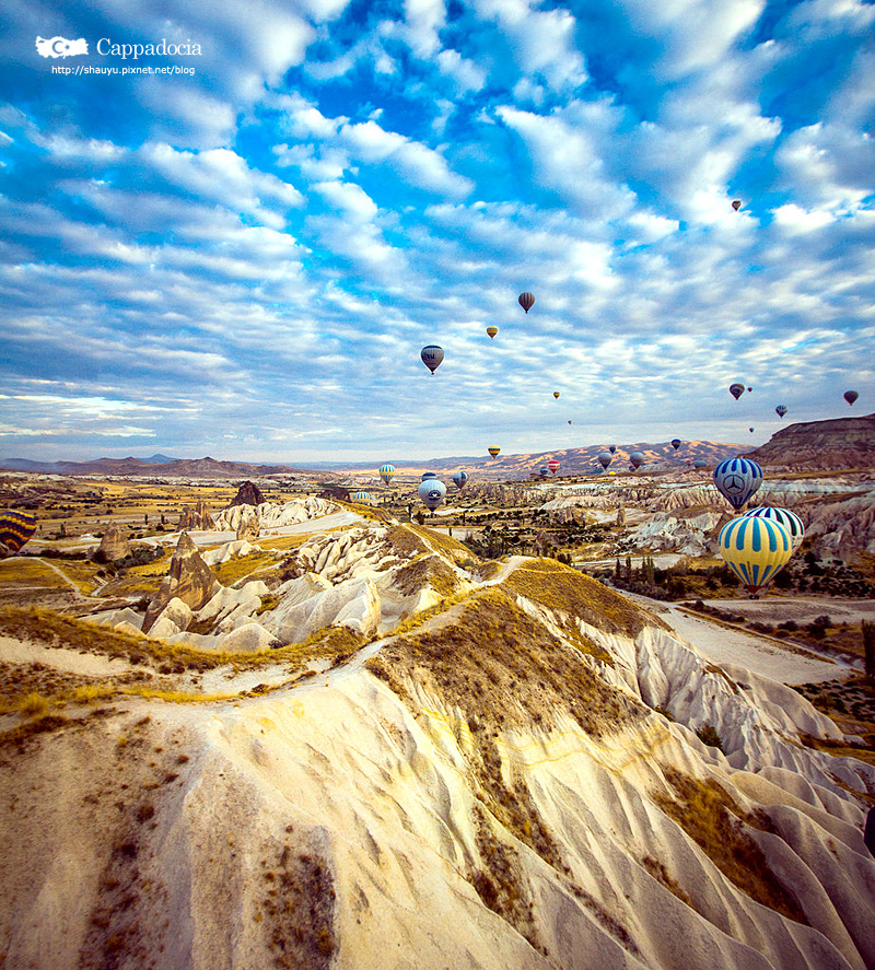 Cappadocia_hot_air_balloon_07.jpg