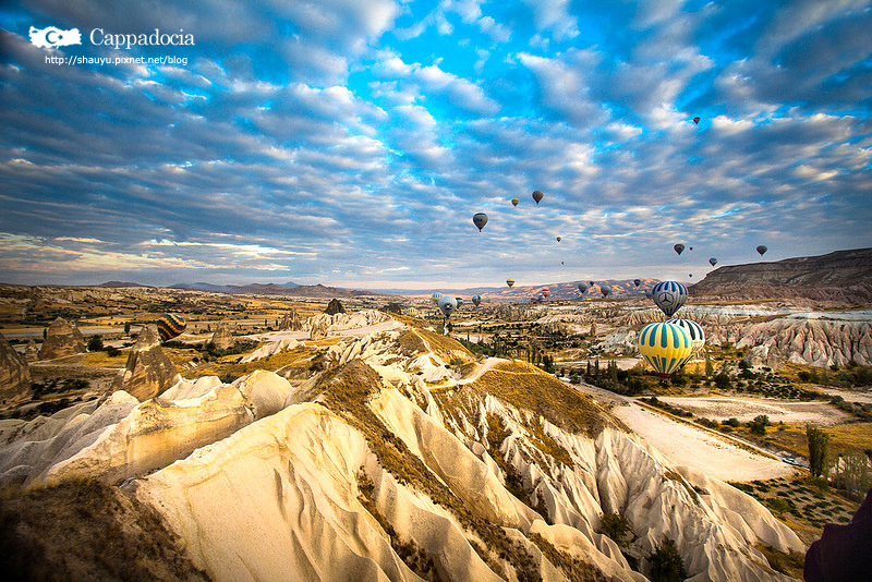 Cappadocia_hot_air_balloon_11.jpg