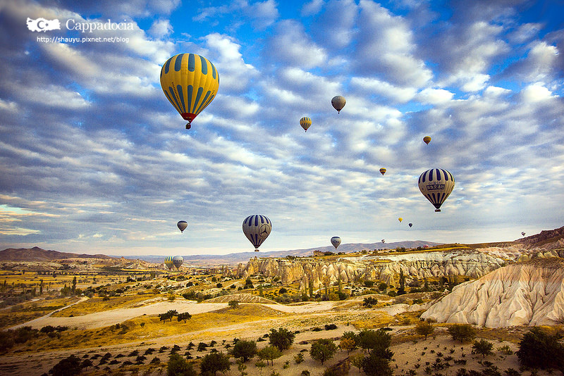 Cappadocia_hot_air_balloon_16.jpg