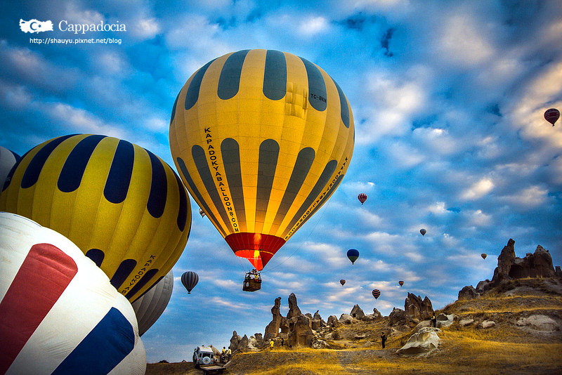 Cappadocia_hot_air_balloon_15.jpg