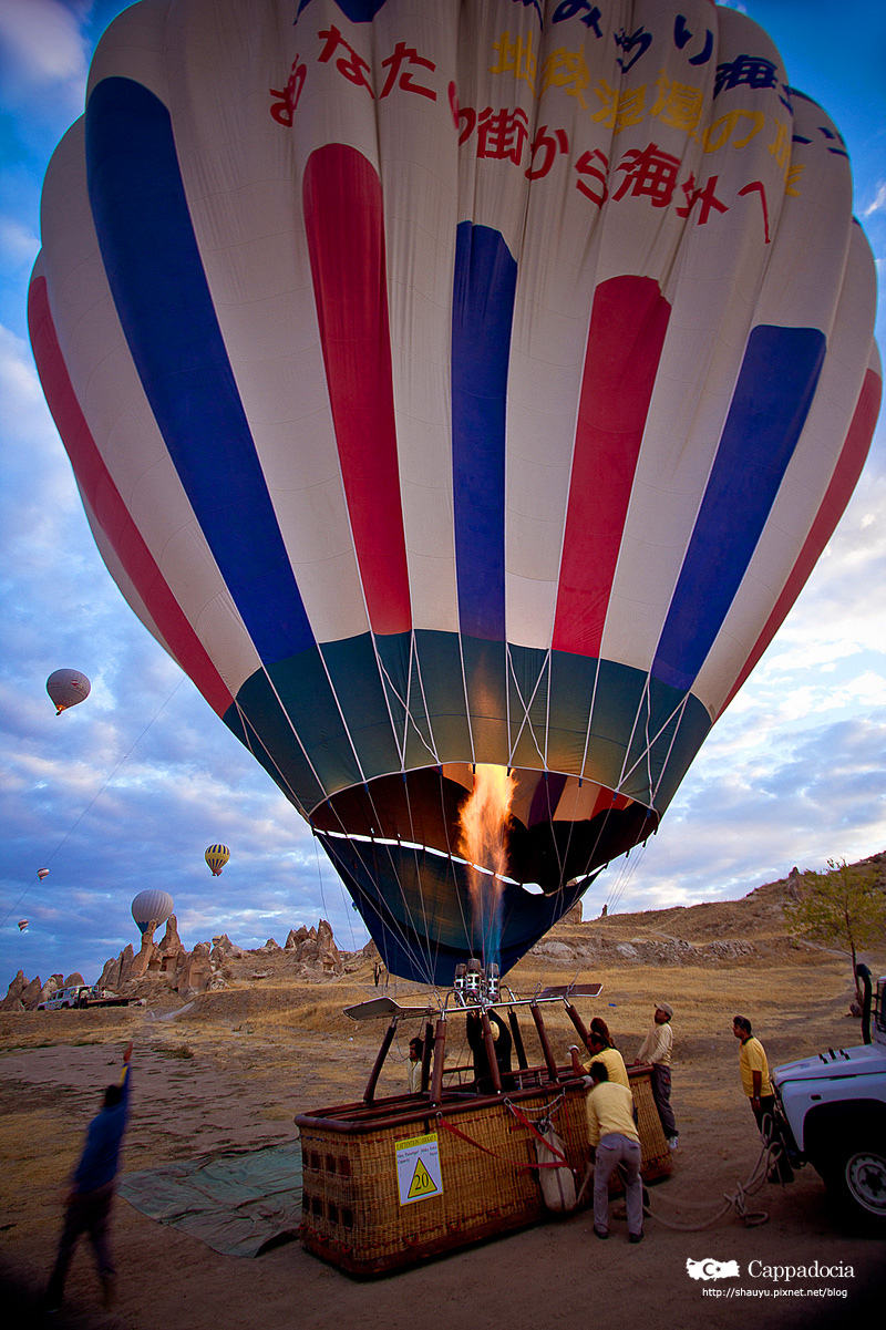 Cappadocia_hot_air_balloon_20.jpg