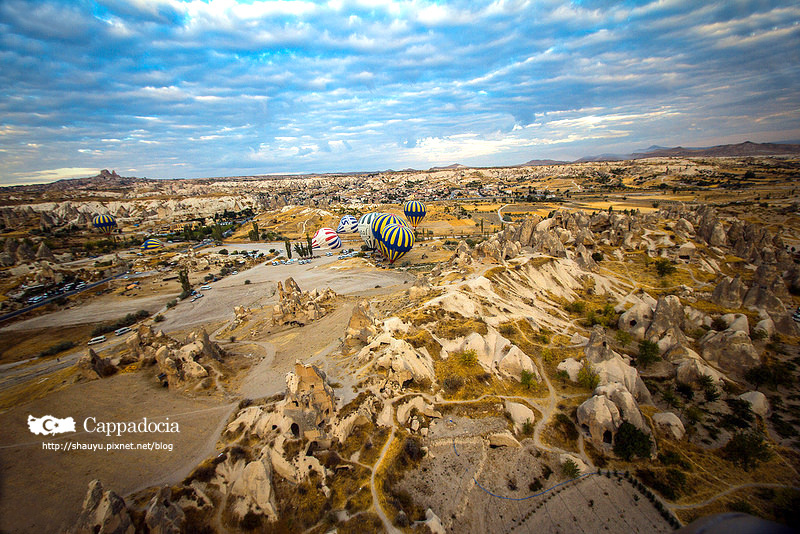 Cappadocia_hot_air_balloon_24.jpg
