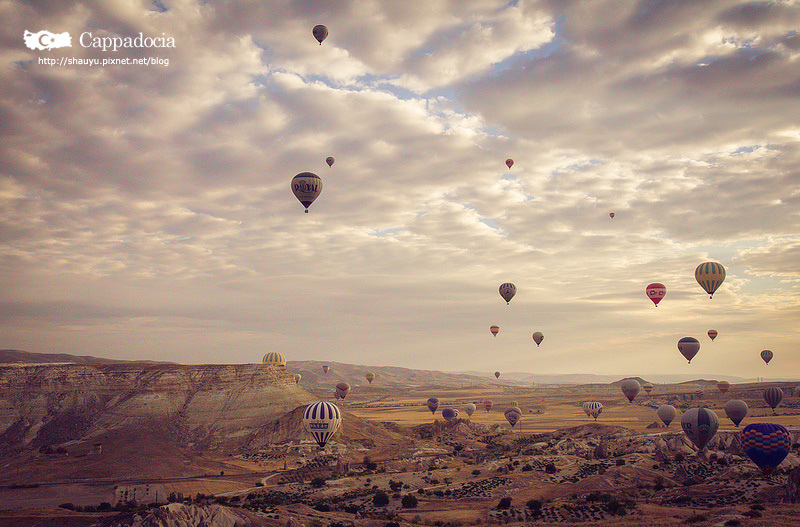 Cappadocia_hot_air_balloon_21.jpg