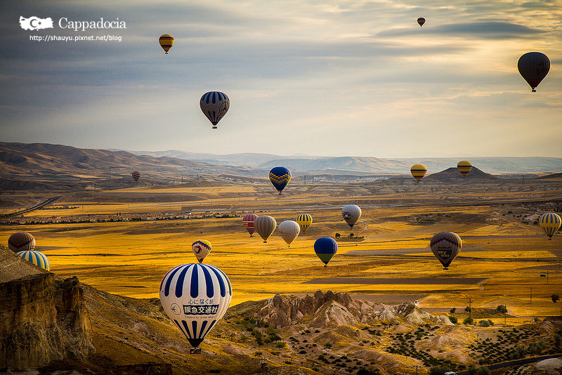 Cappadocia_hot_air_balloon_26.jpg