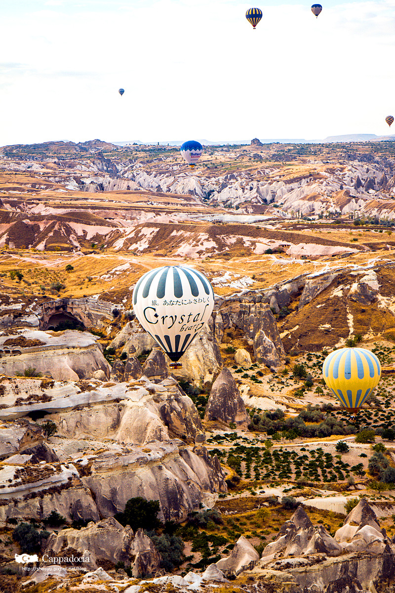 Cappadocia_hot_air_balloon_25.jpg