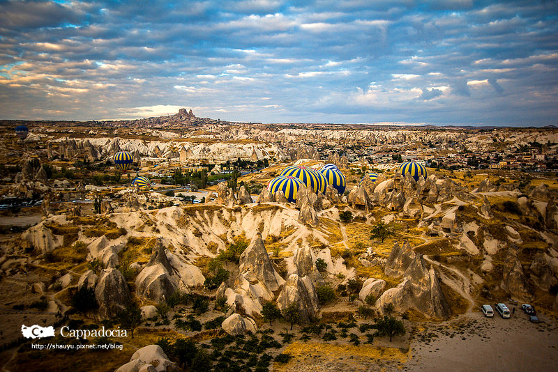 Cappadocia_hot_air_balloon_29.jpg