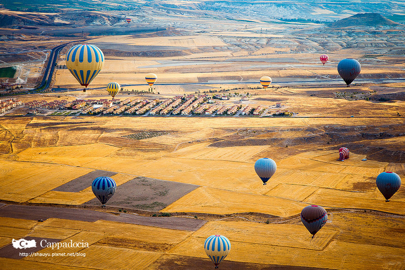 Cappadocia_hot_air_balloon_35.jpg