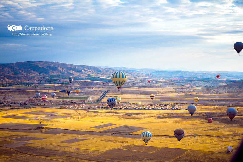 Cappadocia_hot_air_balloon_34.jpg