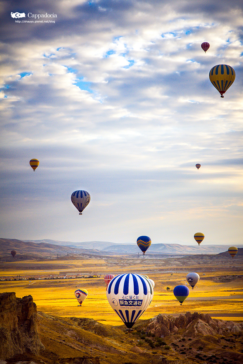 Cappadocia_hot_air_balloon_33.jpg