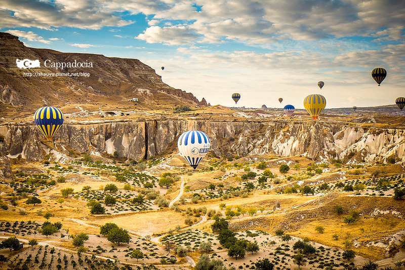 Cappadocia_hot_air_balloon_37.jpg