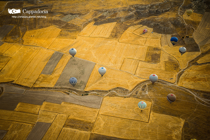 Cappadocia_hot_air_balloon_48.jpg