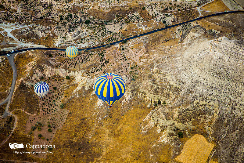 Cappadocia_hot_air_balloon_47.jpg