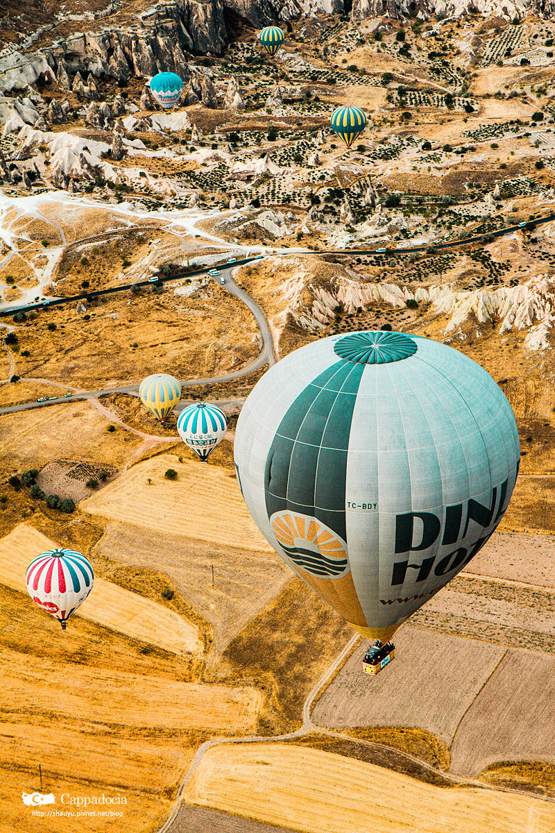 Cappadocia_hot_air_balloon_45.jpg