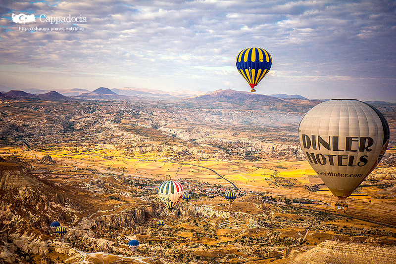 Cappadocia_hot_air_balloon_52.jpg
