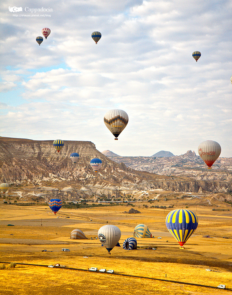 Cappadocia_hot_air_balloon_49.jpg