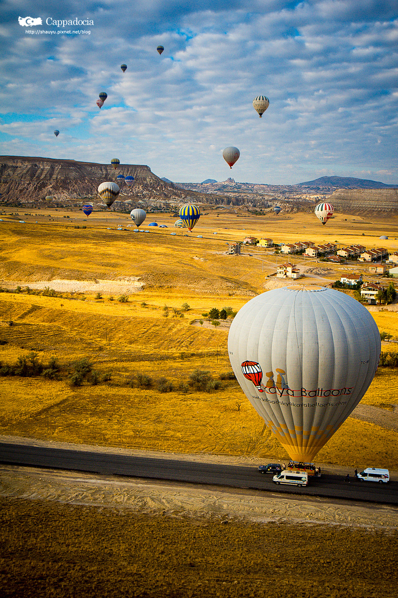 Cappadocia_hot_air_balloon_56.jpg