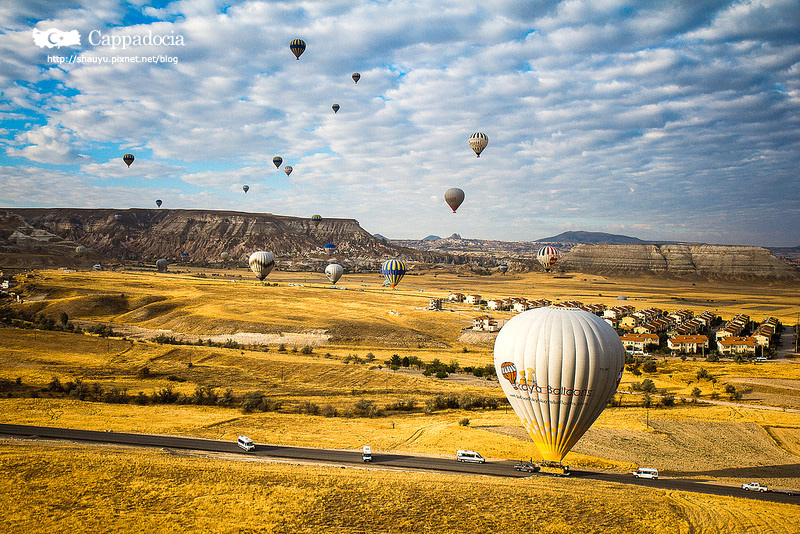 Cappadocia_hot_air_balloon_54.jpg