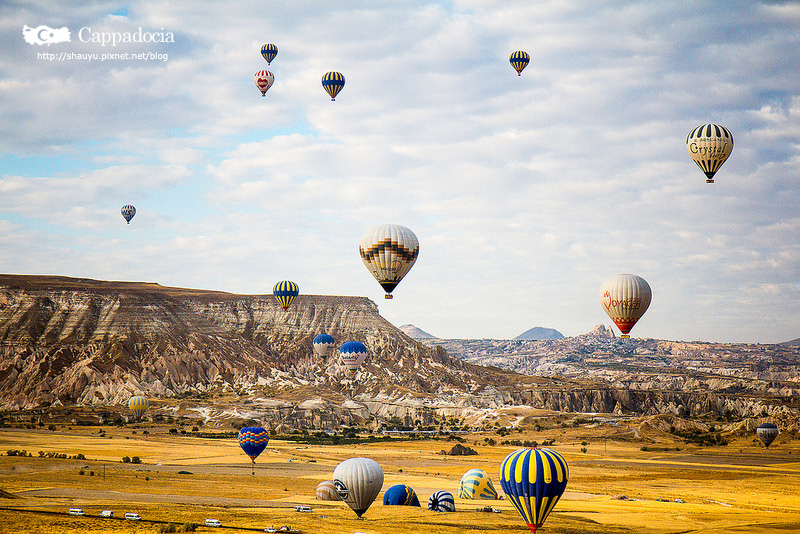 Cappadocia_hot_air_balloon_57.jpg