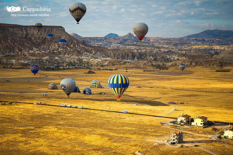 Cappadocia_hot_air_balloon_58.jpg