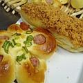 湯種熱狗&肉鬆麵包