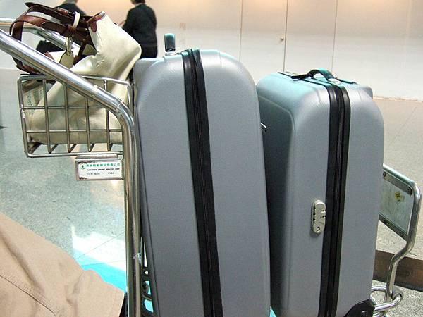 一大一小行李箱.JPG