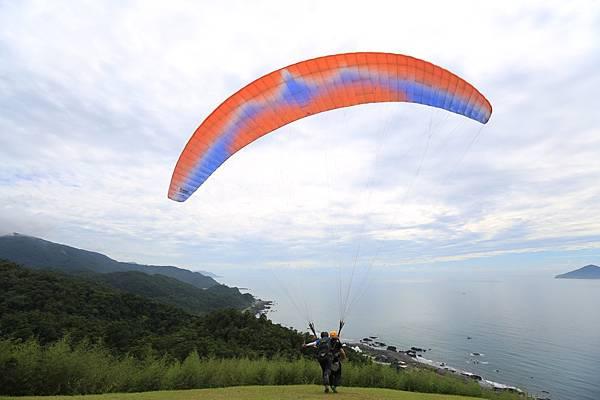 宜蘭外澳飛行傘 (15).JPG