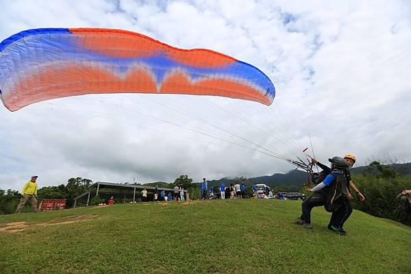 宜蘭外澳飛行傘 (14).JPG