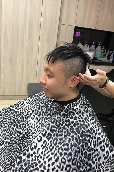 理髮 (8).JPG