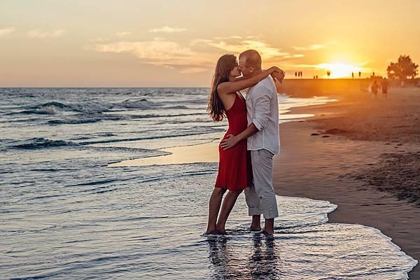 a-couple-of-1694334_960_720.jpg