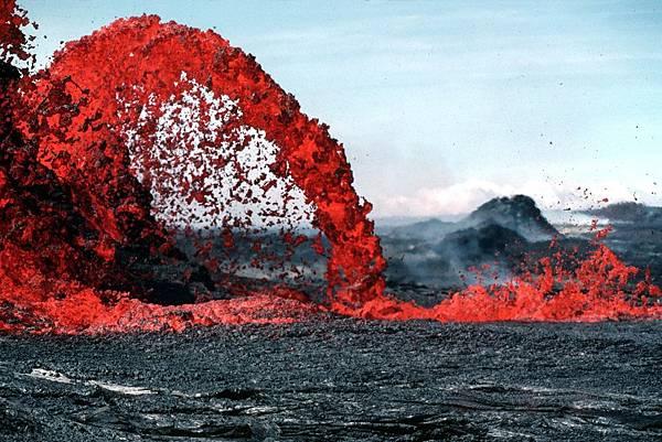lava-67574_1920.jpg