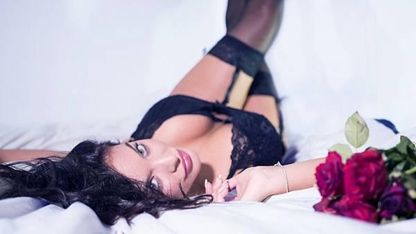 lingerie-2616801_1920.jpg