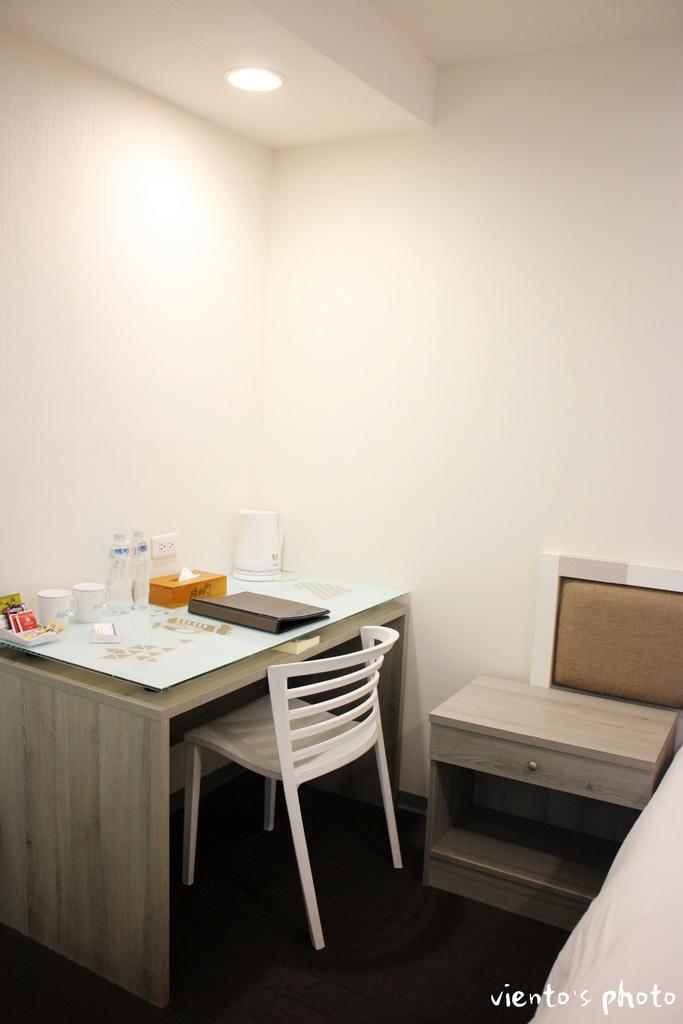 hostel01.jpg